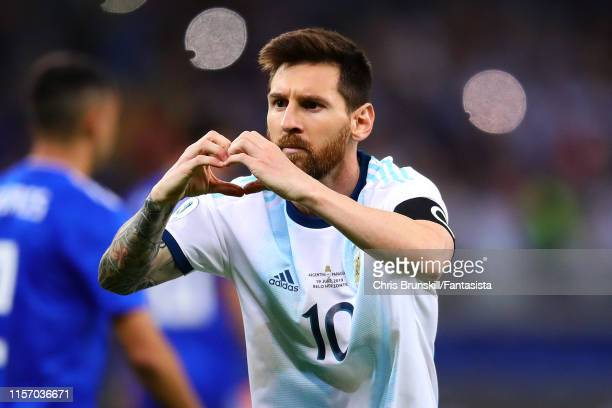 Lionel Messi of Argentina celebrates scoring the equaliser from the penalty spot during the Copa America Brazil 2019 group B match between Argentina...