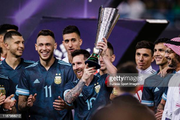 Lionel Messi of Argentina celebrates with his teammates after winning Brazil during the international friendly match between Brazil and Argentina at...