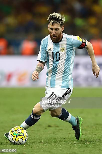 Lionel Messi of Argentina controls the ball during a match between Brazil and Argentina as part of 2018 FIFA World Cup Russia Qualifier at Mineirao...