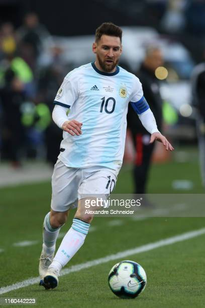Lionel Messi of Argentina controls the ball during the Copa America Brazil 2019 Third Place match between Argentina and Chile at Arena Corinthians on...