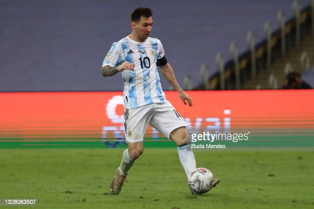 Lionel Messi of Argentina controls the ball during the final of Copa America Brazil 2021 between Brazil and Argentina at Maracana Stadium on July 10,...