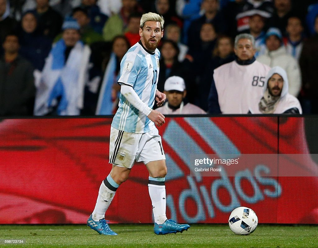 Argentina v Uruguay - FIFA 2018 World Cup Qualifiers : News Photo