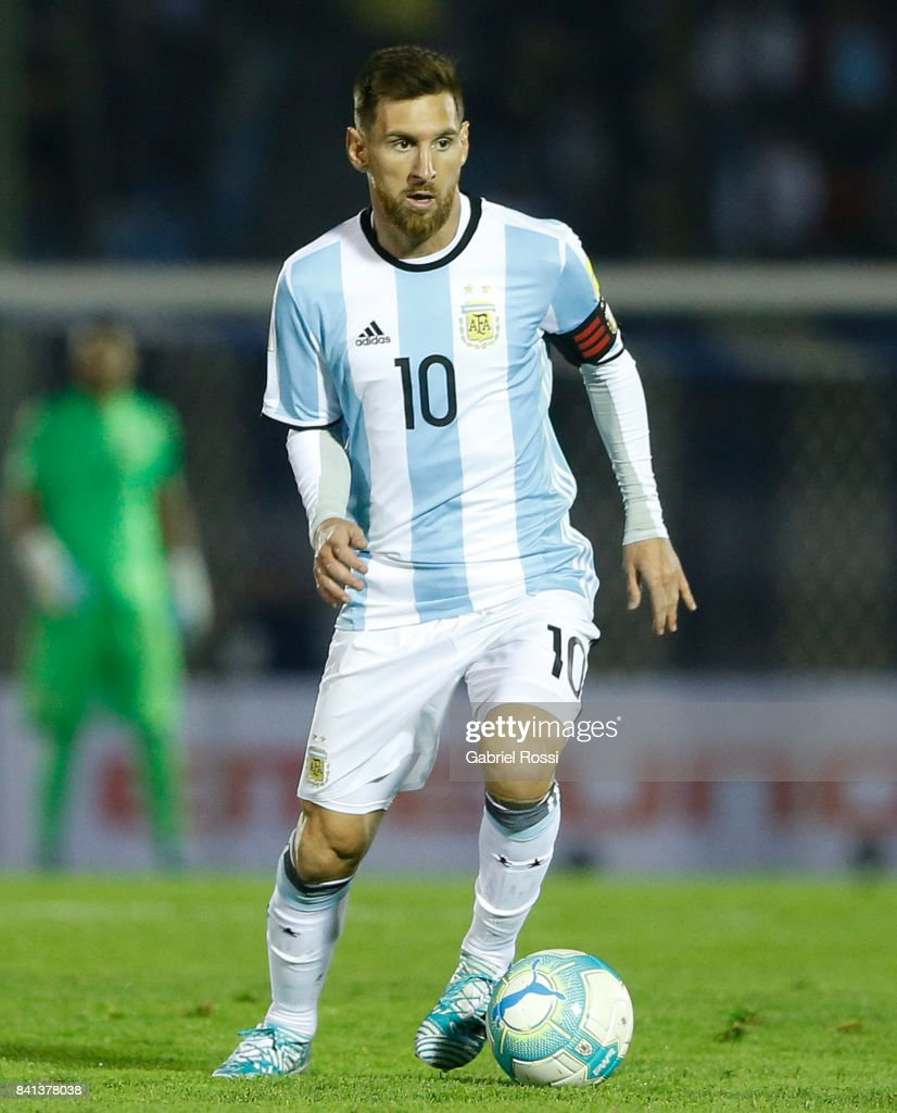 Lionel Messi of Argentina drives the ball during a match between Uruguay and Argentina as part of FIFA 2018 World Cup Qualifiers at Centenario Stadium on August 31, 2017 in Montevideo, Uruguay.