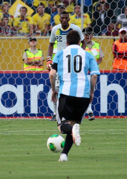 Ecuador v Argentina - South American Qualifiersの写真および