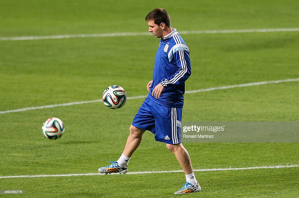 Argentina Training - 2014 FIFA World Cup : News Photo