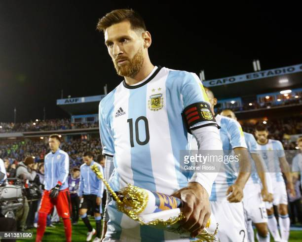 Lionel Messi of Argentina enters to the pitch prior to a match between Uruguay and Argentina as part of FIFA 2018 World Cup Qualifiers at Centenario...