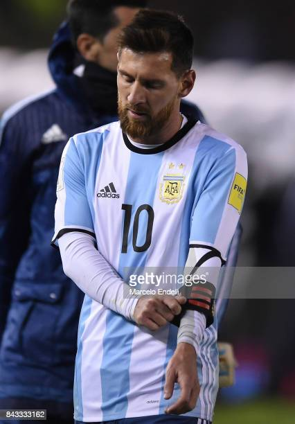 Lionel Messi of Argentina leaves the field dejected after end of first half during a match between Argentina and Venezuela as part of FIFA 2018 World...