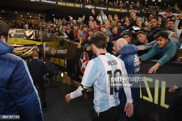 Lionel Messi of Argentina leaves the pitch during the Brasil Global Tour match between Brazil and Argentina at Melbourne Cricket Ground on June 9...