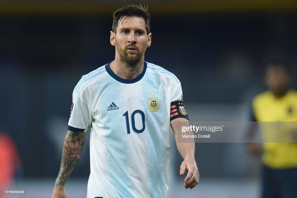 Argentina v Ecuador - South American Qualifiers for Qatar 2022 : Fotografia de notícias