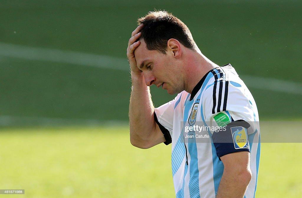 Argentina v Switzerland: Round of 16 - 2014 FIFA World Cup Brazil : Photo d'actualité