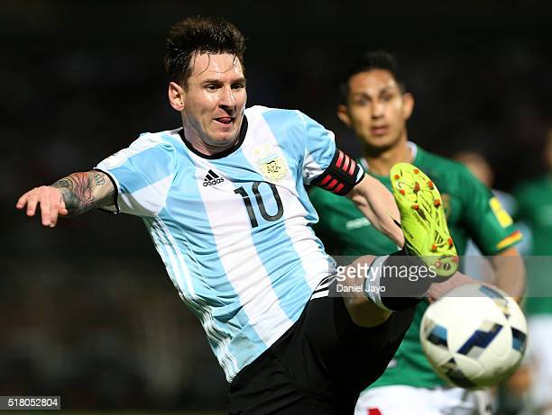 Lionel Messi of Argentina plays the ball during a match between Argentina and Bolivia as part of FIFA 2018 World Cup Qualifiers at Mario Alberto...
