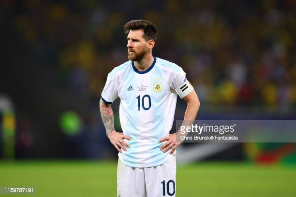 Lionel Messi of Argentina prepares to take a free kick during the Copa America Brazil 2019 Semi Final match between Brazil and Argentina at Mineirao...