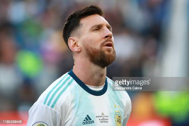 Lionel Messi of Argentina sings the national anthem prior to the Copa America Brazil 2019 Third Place match between Argentina and Chile at Arena...