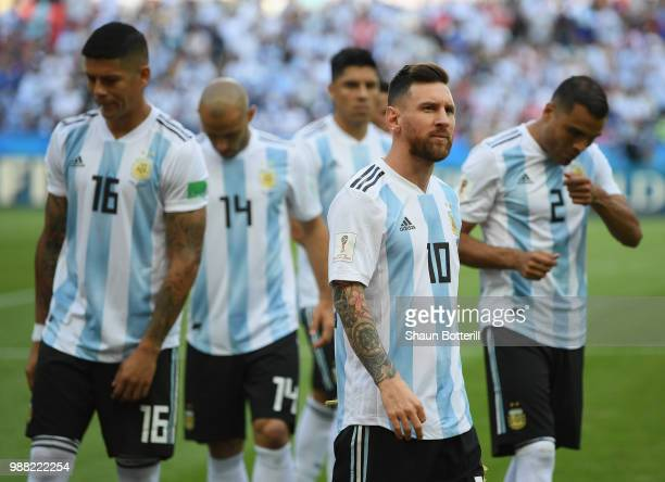 Lionel Messi of Argentina waits with teammates before the 2018 FIFA World Cup Russia Round of 16 match between France and Argentina at Kazan Arena on...