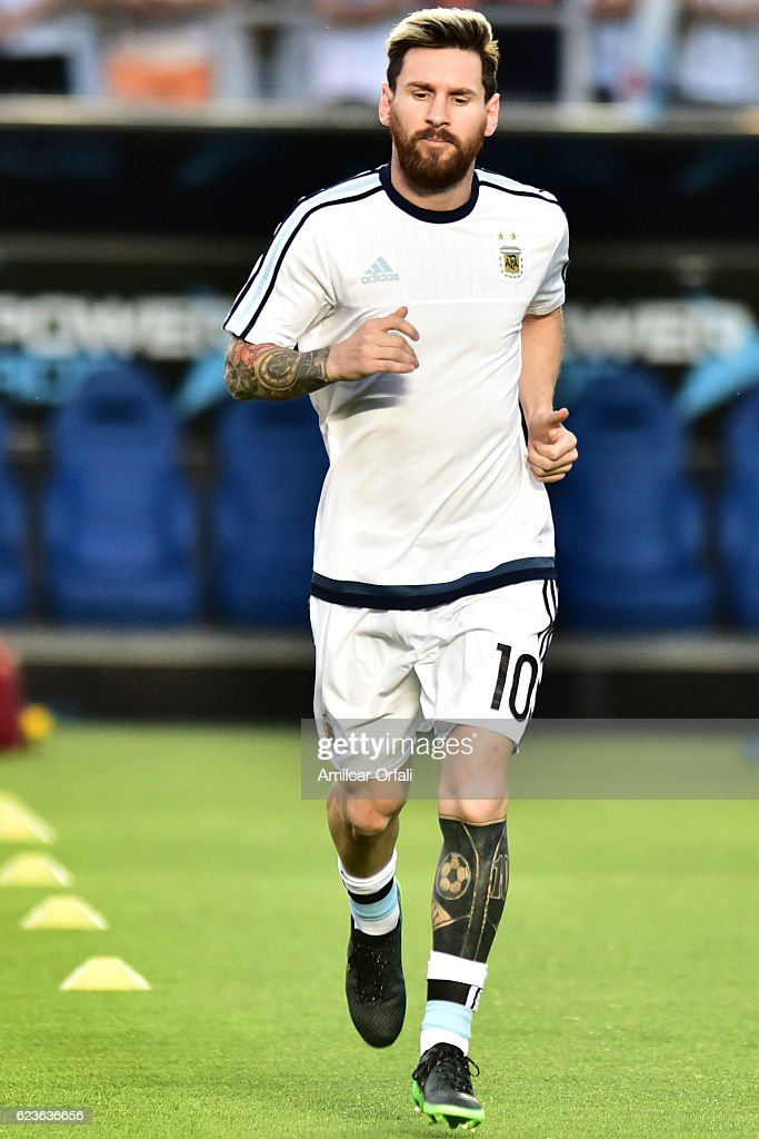 Lionel Messi of Argentina warms up prior a match between Argentina and Colombia as part of FIFA 2018 World Cup Qualifiers at Bicentenario de San Juan Stadium on November 15, 2016 in San Juan, Argentina.