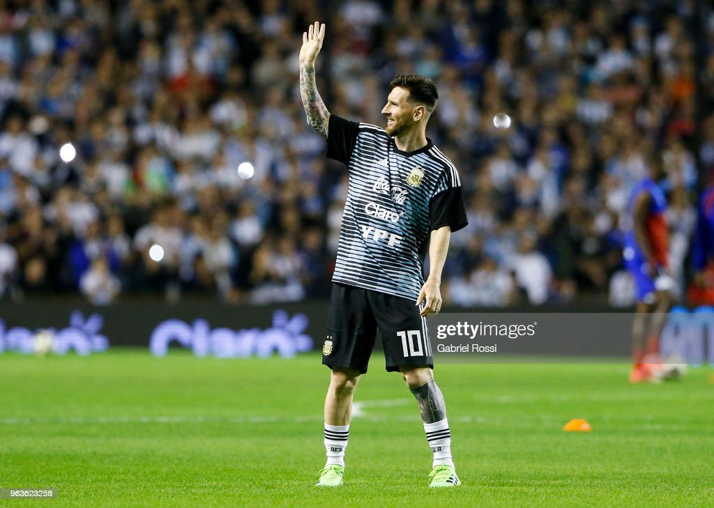 Lionel Messi of Argentina waves to the fans prior an international friendly match between Argentina and Haiti at Alberto J. Armando Stadium on May 29, 2018 in Buenos Aires, Argentina.