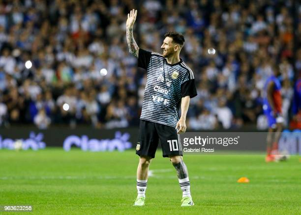 Lionel Messi of Argentina waves to the fans prior an international friendly match between Argentina and Haiti at Alberto J Armando Stadium on May 29...