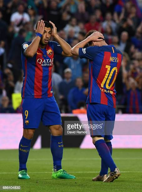 Lionel Messi of Barcelona and Luis Suarez of Barcelona look dejected during the La Liga match between Barcelona and Eibar at Camp Nou on 21 May 2017...