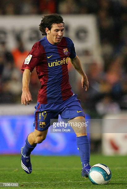 Lionel Messi of Barcelona brings the ball forward during the Primera Liga match between Valencia and Barcelona at the Mestalla stadium on February 18...