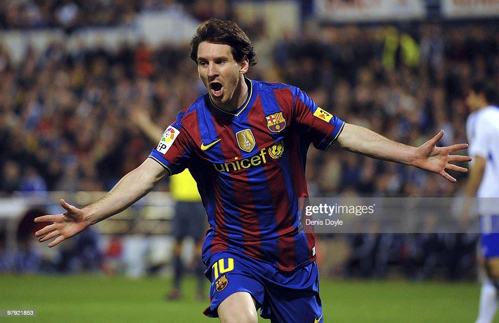 Real Zaragoza v Barcelona - La Liga : News Photo