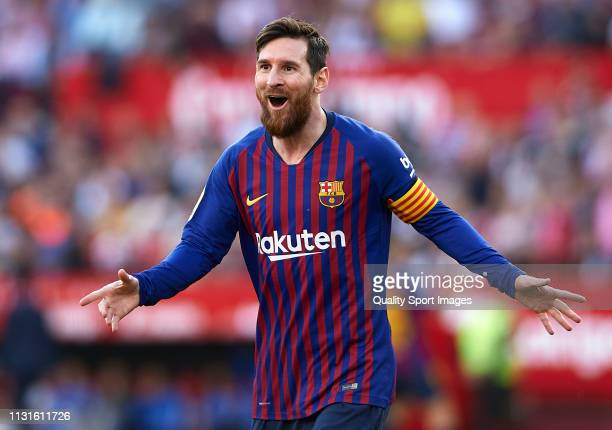 Lionel Messi of Barcelona celebrates after scoring his team's second goal during the La Liga match between Sevilla FC and FC Barcelona at Estadio...