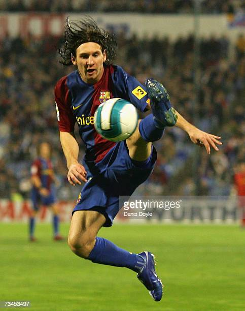 Lionel Messi of Barcelona controls the ball during the Kings Cup quarterfinal 2nd leg match between Real Zaragoza and Barcelona at the Romareda...