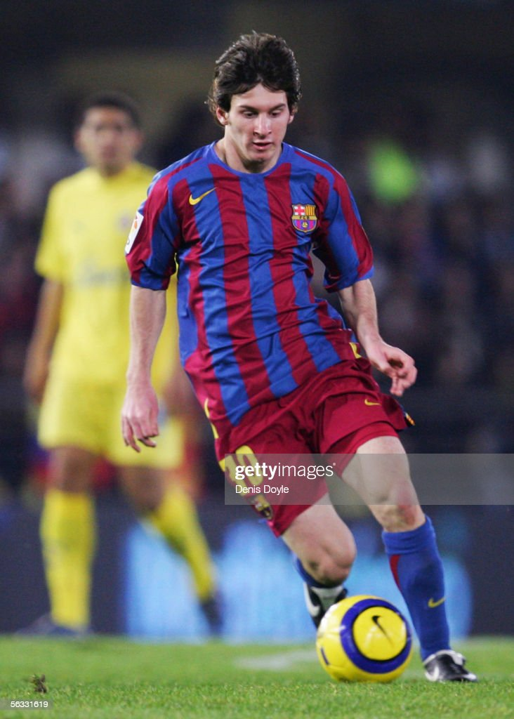 Lionel Messi of Barcelona controls the ball during the Primera Liga match between Villarreal and F.C. Barcelona on December 4 2005 at the Madrigal stadium in Villarreal, Spain.