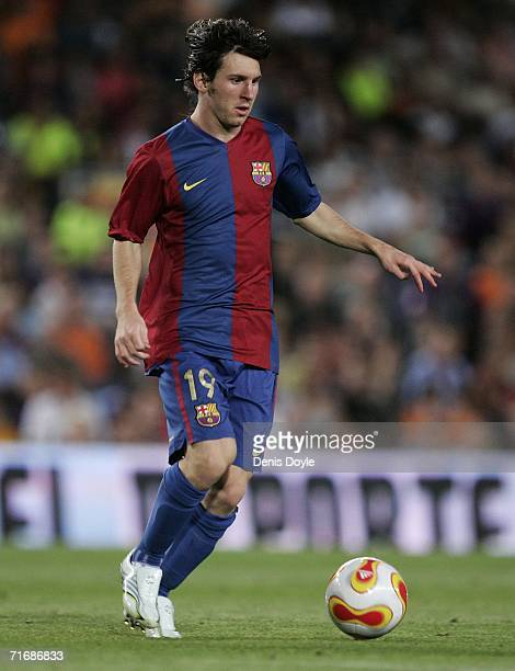 Lionel Messi of Barcelona in action during the Supercup 2nd leg match between Barcelona and Espanyol at the Camp Nou stadium on August 20 2006 in...
