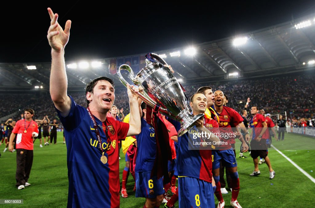 Lionel Messi of Barcelona lifts the trophy as he and his team mates celebrates winning the UEFA Champions League Final match between Barcelona and Manchester United at the Stadio Olimpico on May 27, 2009 in Rome, Italy. Barcelona won 2-0.