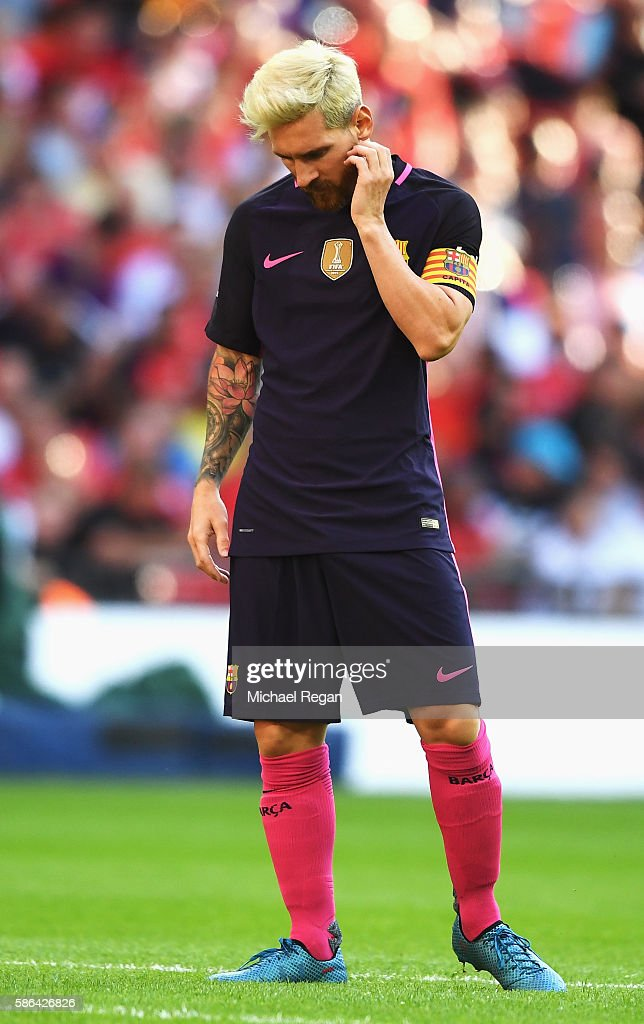 Lionel Messi of Barcelona looks dejected during the International Champions Cup match between Liverpool and Barcelona at Wembley Stadium on August 6, 2016 in London, England.