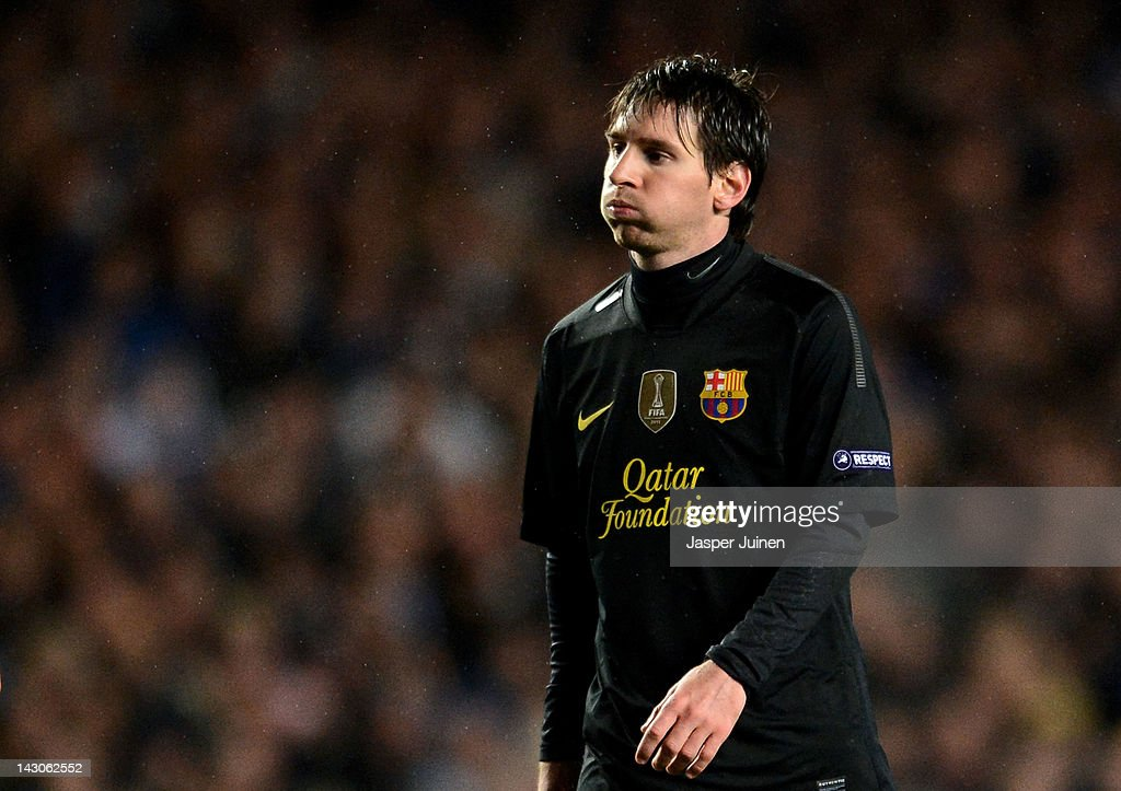 Lionel Messi of Barcelona looks dejected during the UEFA Champions League Semi Final first leg match between Chelsea and Barcelona at Stamford Bridge on April 18, 2012 in London, England.