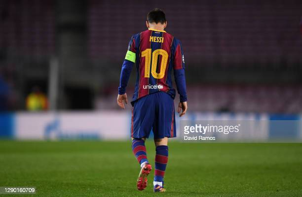 Lionel Messi of Barcelona looks dejected following the UEFA Champions League Group G stage match between FC Barcelona and Juventus at Camp Nou on...