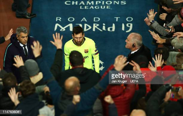 Lionel Messi of Barcelona makes his way back into the tunnel after the final whistle during the UEFA Champions League Semi Final second leg match...