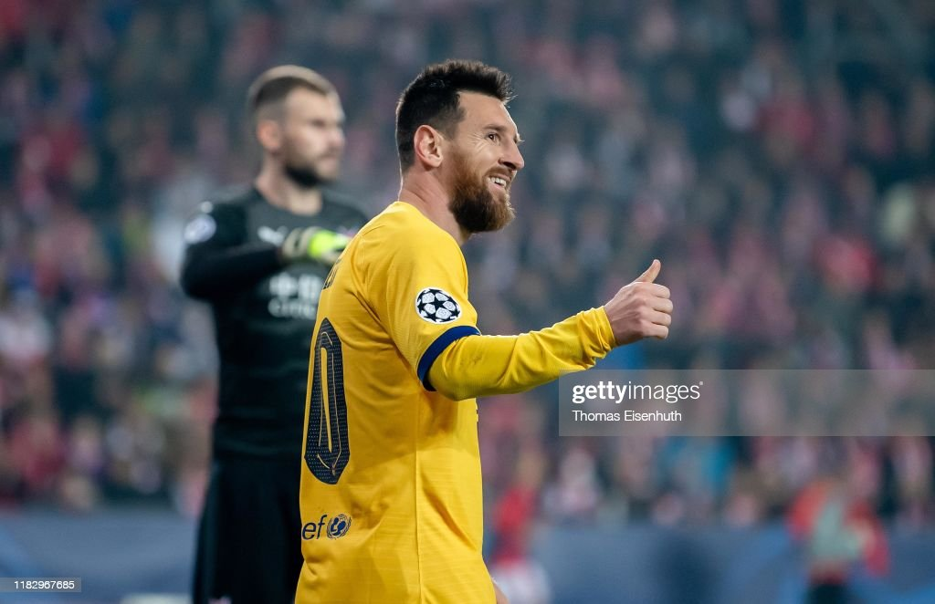 Slavia Praha v FC Barcelona: Group F - UEFA Champions League : Foto jornalística