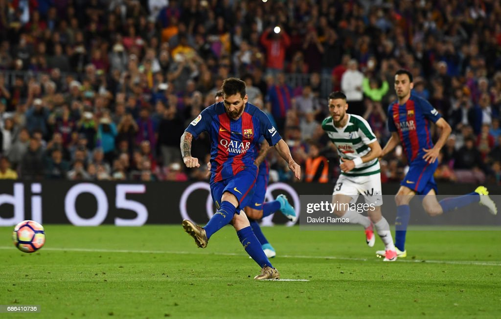 Lionel Messi of Barcelona scores a penalty during the La Liga match between Barcelona and Eibar at Camp Nou on 21 May, 2017 in Barcelona, Spain.