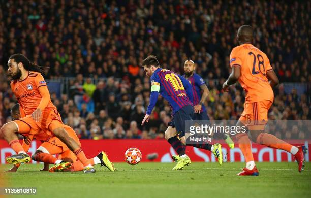 Lionel Messi of Barcelona scores his team's third goal during the UEFA Champions League Round of 16 Second Leg match between FC Barcelona and...