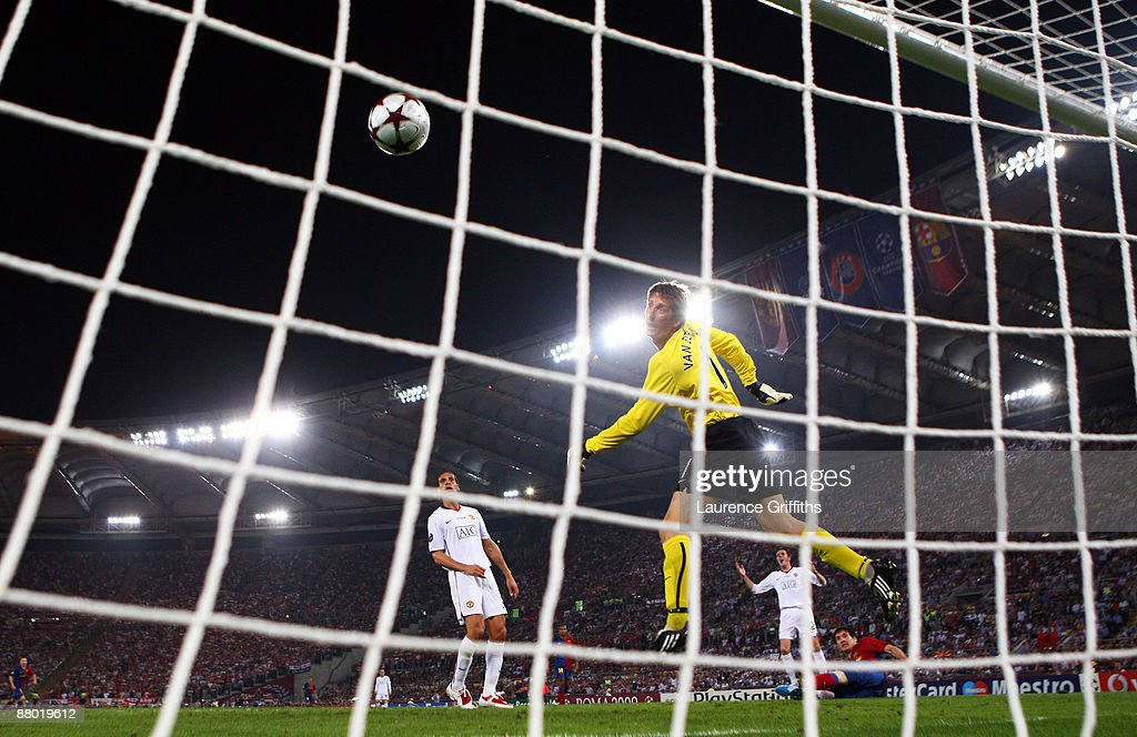 Lionel Messi of Barcelona scores past Manchester United goalkeeper Edwin van der Sar during the UEFA Champions League Final match between Barcelona and Manchester United at the Stadio Olimpico on May 27, 2009 in Rome, Italy.