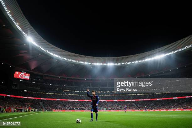 Lionel Messi of FC Barcelona acknowledges the crowd during the Spanish Copa del Rey Final match between Barcelona and Sevilla at Wanda Metropolitano...