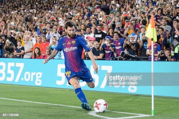 Lionel Messi of FC Barcelona attempts a kick from the corner during the Supercopa de Espana Final 1st Leg match between FC Barcelona and Real Madrid...