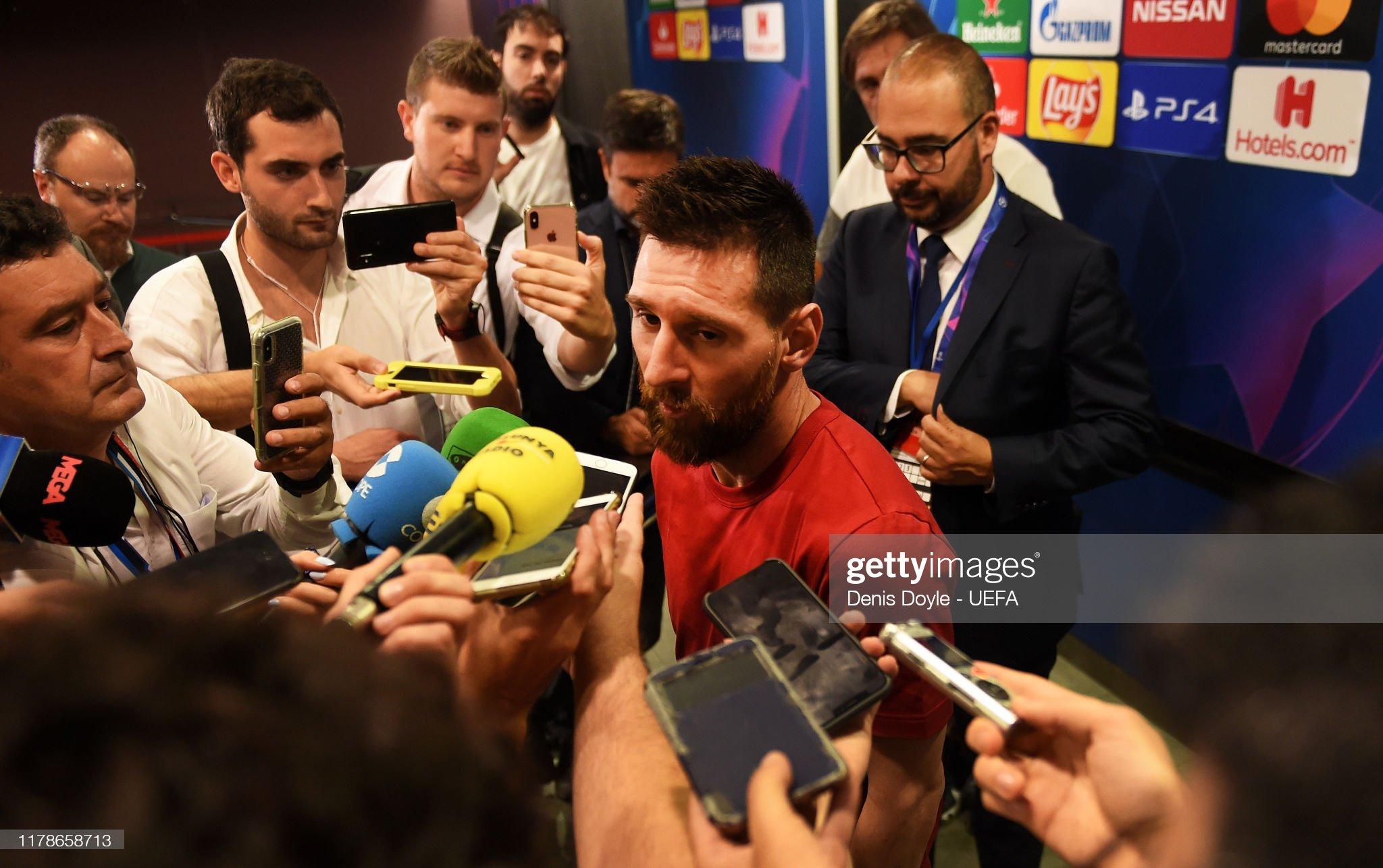 صور مباراة : برشلونة - إنتر 2-1 ( 02-10-2019 )  Lionel-messi-of-fc-barcelona-attends-to-the-press-in-the-mixed-zone-picture-id1178658713?s=2048x2048