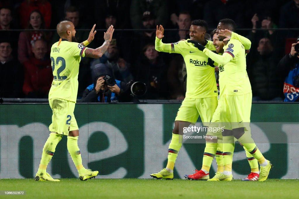 PSV v FC Barcelona - UEFA Champions League : ニュース写真