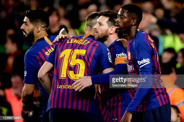 Lionel Messi of FC Barcelona celebrates 10 with Luis Suarez of FC Barcelona Clement Lenglet of FC Barcelona Ousmane Dembele of FC Barcelona during...