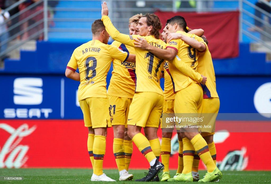 SD Eibar SAD v FC Barcelona  - La Liga : Foto jornalística