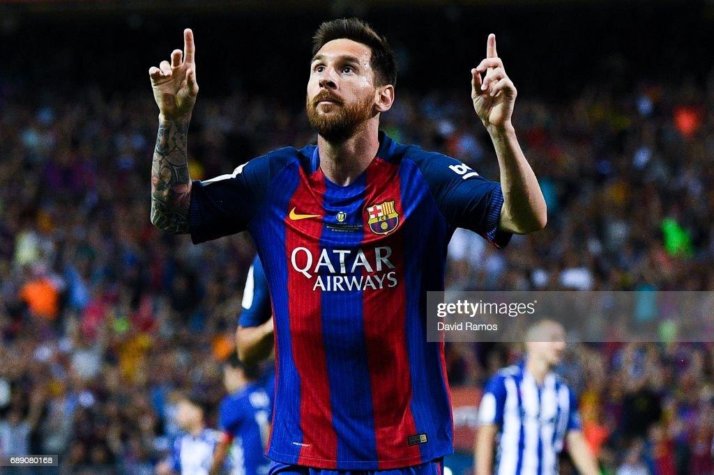 Deportivo Alaves vs Barcelona - Copa Del Rey Final : News Photo