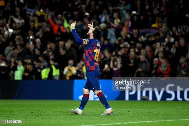 Lionel Messi of FC Barcelona celebrates after scoring his team's second goal during the UEFA Champions League group F match between FC Barcelona and...