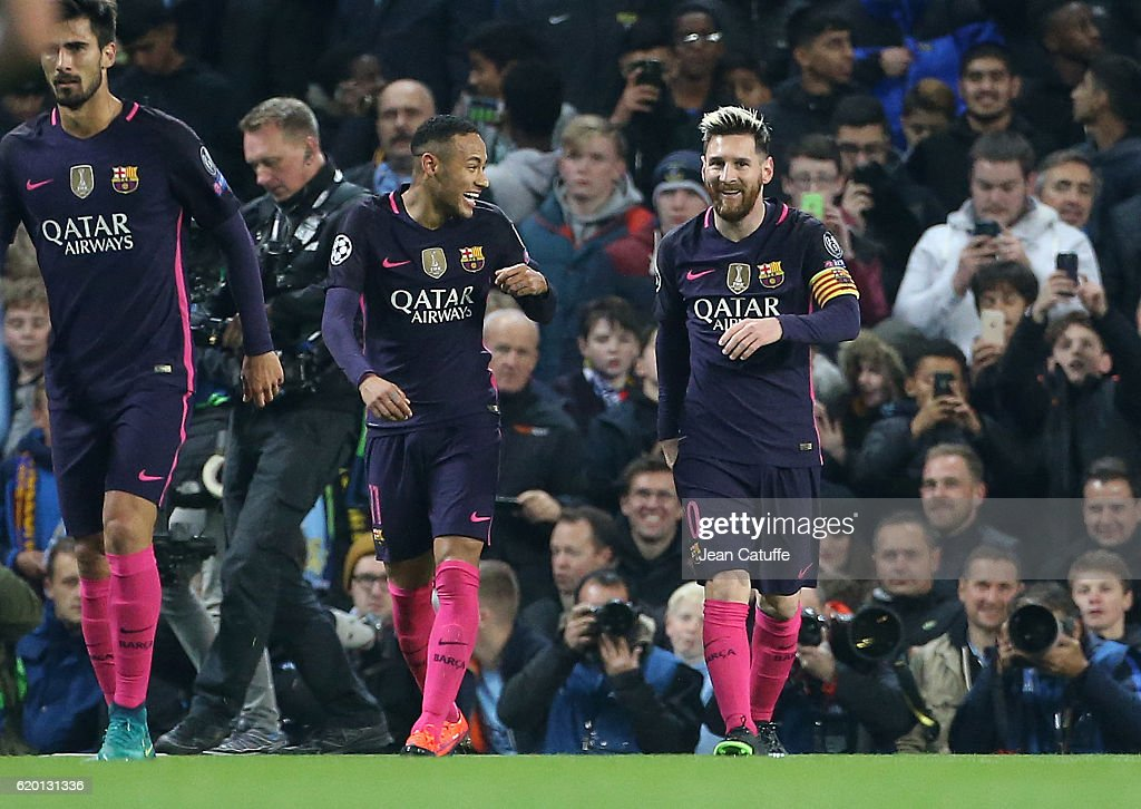 Manchester City FC v FC Barcelona - UEFA Champions League : News Photo