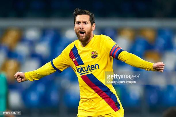 Lionel Messi of FC Barcelona celebrates his team's first goal during the UEFA Champions League round of 16 first leg match between SSC Napoli and FC...