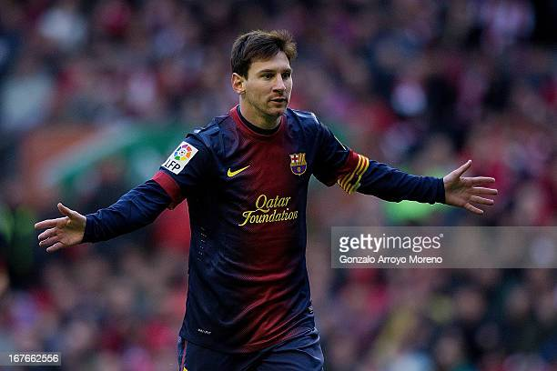 Lionel Messi of FC Barcelona celebrates scoring their opening goal during the La Liga match between Athletic Club de Bilbaoand FC Barcelona at San...