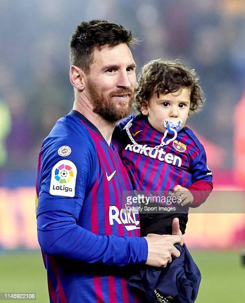 Lionel Messi of FC Barcelona celebrates with his son CIro Messi following in his team's victory in the La Liga match between FC Barcelona and Levante...