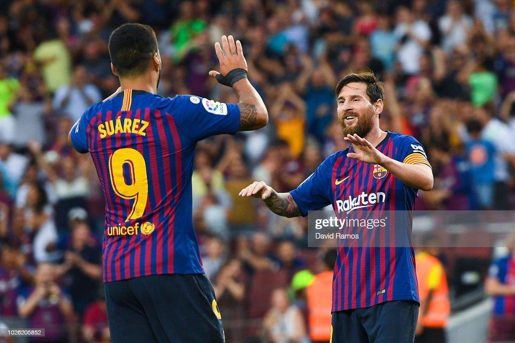 FC Barcelona v SD Huesca - La Liga : Nachrichtenfoto